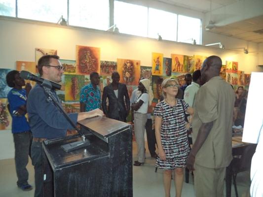 De gauche à droite, Patrick le directeur adjoint de l´IFT, Mme Gianvitti la directrice et Tendjibaye le formateur